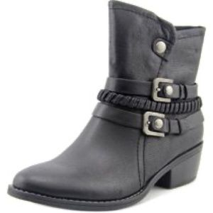 Beautiful Baretraps Booties!